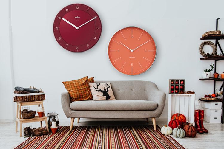 wall-clocks-as-autumn-decoration