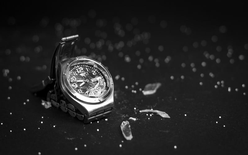 watches-with-sapphire-crystal-is-it-unbreakable